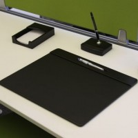 Black Leatherette 17″ x 14″ Top-Rail Conference Pad with Pen Well